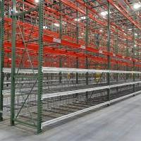 Warehouse racking with wire decking